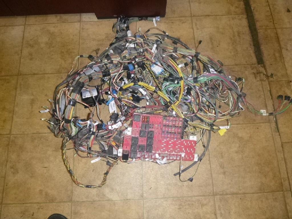 2012 KENWORTH T700 WIRING HARNESS DASH on kenworth t600 fuse box location, kenworth t370 fuse box location, kenworth t300 fuse box location,