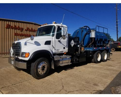 Mack CV713 Complete Vehicle