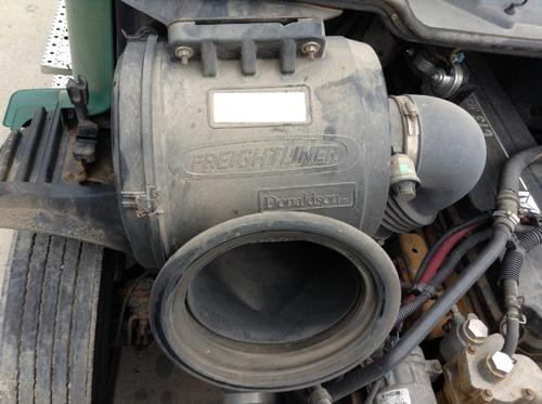 FREIGHTLINER COLUMBIA 112 Air Cleaner