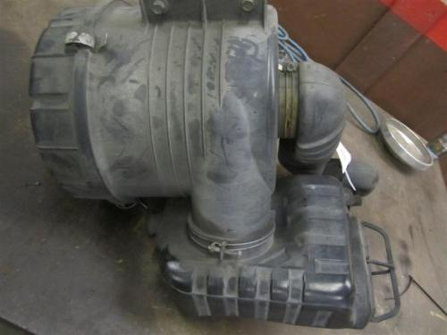 MITSUBISHI FUSO FE85 Air Cleaner