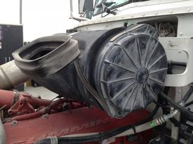 PETERBILT 384 Air Cleaner