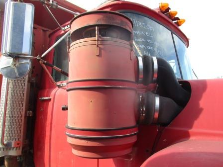 MACK R688 Air Cleaner