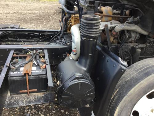 CHEVROLET T6500 Air Cleaner