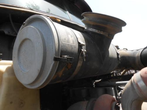 Mack CH 613 Air Cleaner