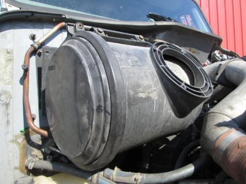 INTERNATIONAL 8100 Air Cleaner