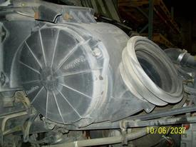 FREIGHTLINER CENTURY 112 Air Cleaner