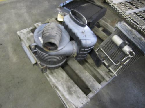 MITSUBISHI FUSO FE145 Air Cleaner