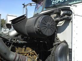 PETERBILT 385 Air Cleaner