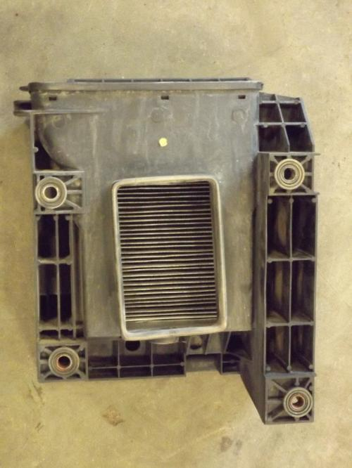 VOLVO VNL770 Air Cleaner