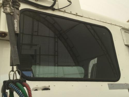 FREIGHTLINER COLUMBIA 120 Back Glass