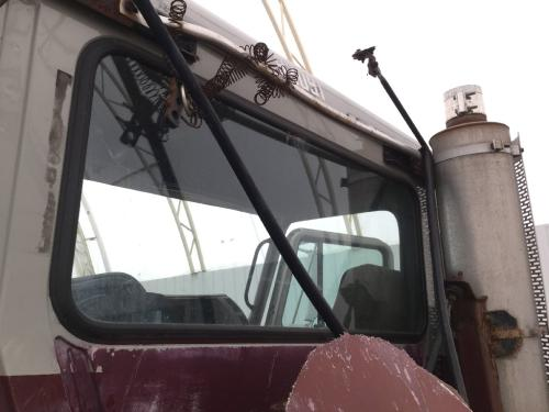 MACK CH613 Back Glass