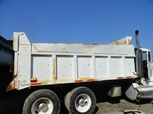 FREIGHTLINER FLD120 Body / Bed