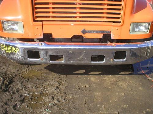 IHC 47/4900 Bumper Assembly, Front
