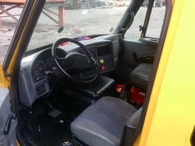 INTERNATIONAL 8600 Cab