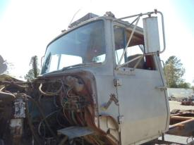 Ford 9000 Cab