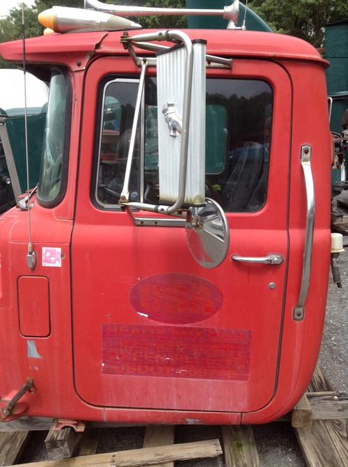 MACK R600 SERIES Cab