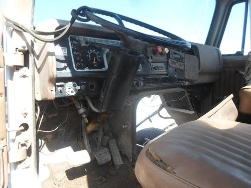 INTERNATIONAL 2500 Cab