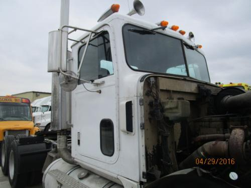 INTERNATIONAL F9300 Cab