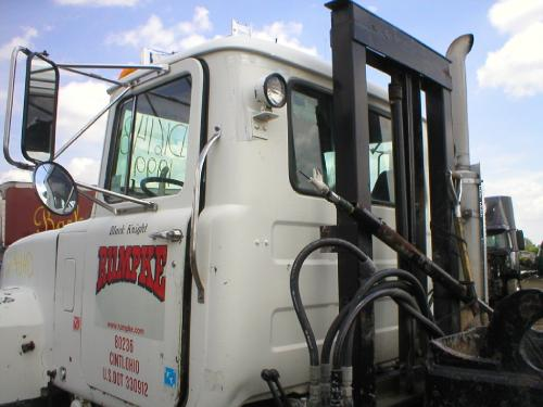 MACK RD600 SERIES Cab