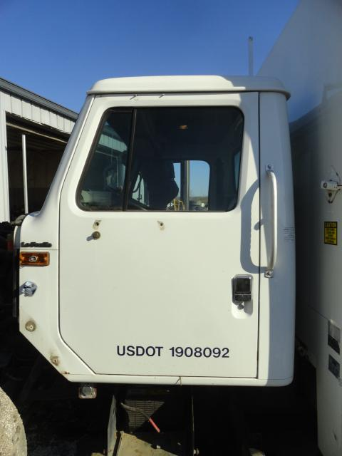 INTERNATIONAL 4700 LOW PROFILE Cab