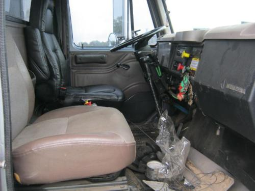 INTERNATIONAL F-2674 Cab