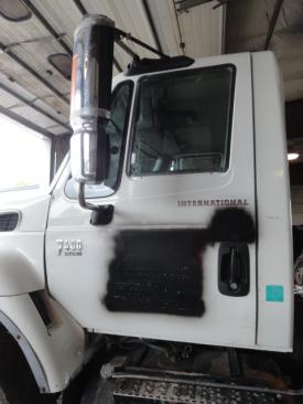 INTERNATIONAL 7400 Cab