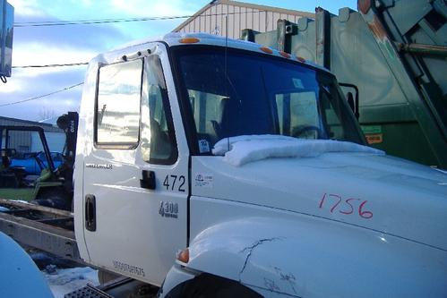 INTERNATIONAL 4300 LP Cab