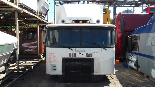 INTERNATIONAL 9600 Cab