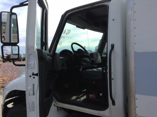 INTERNATIONAL DURASTAR (4400) Cab