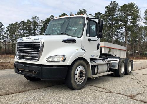 FREIGHTLINER M2 112 Complete Vehicle