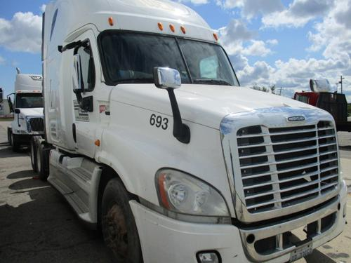 FREIGHTLINER CASCADIA 125 Complete Vehicle