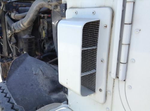 INTERNATIONAL 9400 Cowl