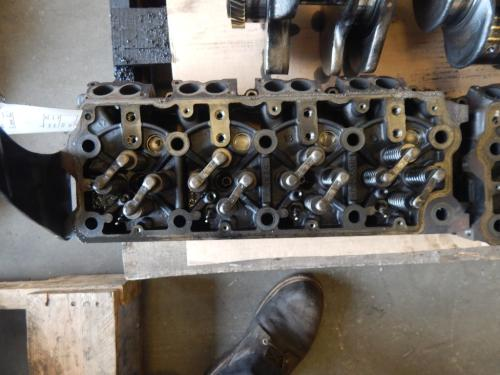 INTERNATIONAL MAX FORCE Cylinder Head