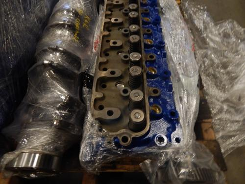 INTERNATIONAL DT 466C Cylinder Head