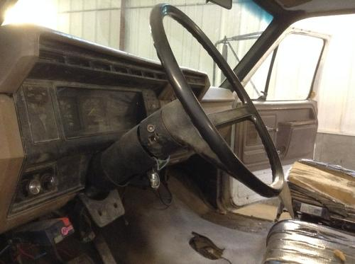 FORD F7000 Dash Assembly