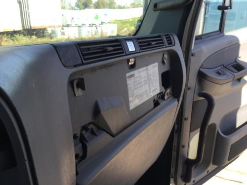 FREIGHTLINER COLUMBIA 120 Dash Assembly