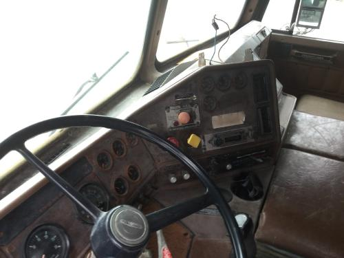 FREIGHTLINER FLT Dash Assembly