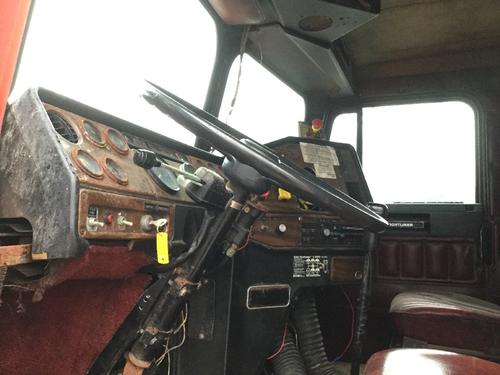 FREIGHTLINER FLC112 Dash Assembly