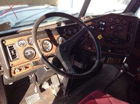 FREIGHTLINER FLD112 Dash Assembly