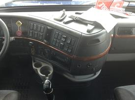 VOLVO VNL Dash Assembly