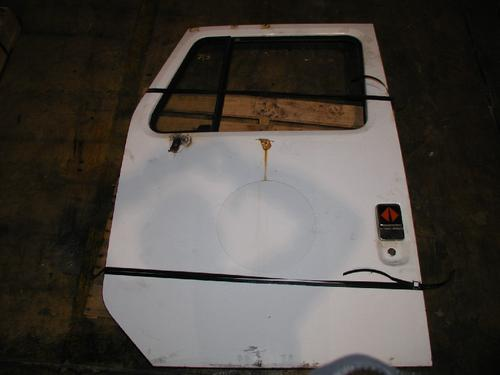 INTERNATIONAL S1800 Door Assembly, Front