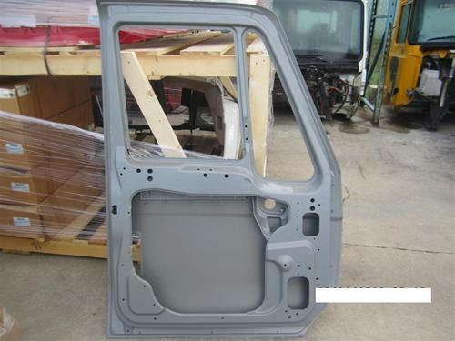 INTERNATIONAL UNIDENTIFIABLE Door Assembly, Front
