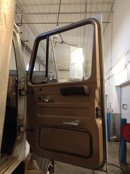 INTERNATIONAL S2500 Door Assembly, Front