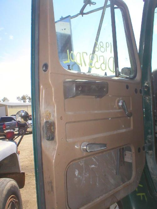 INTERNATIONAL 2300 Door Assembly, Front