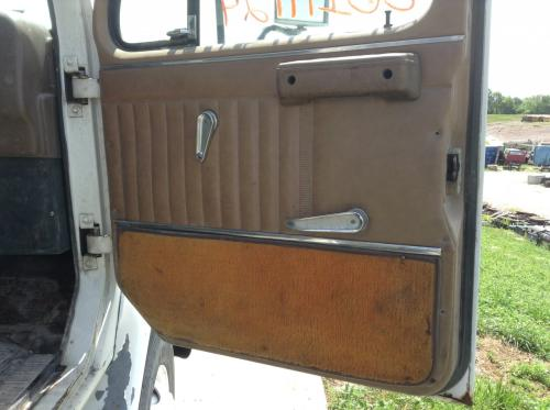 INTERNATIONAL S2200 Door Assembly, Front