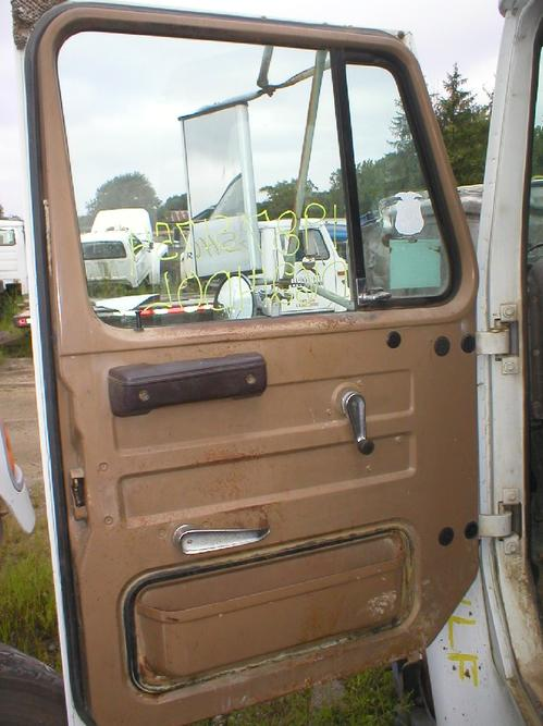 INTERNATIONAL 1750 Door Assembly, Front