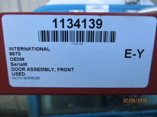 INTERNATIONAL 9670 Door Assembly, Front