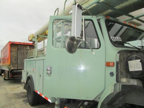 INTERNATIONAL 4800 Door Assembly, Front