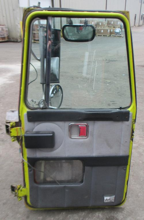 VOLVO WCA AREO SERIES Door Assembly, Front