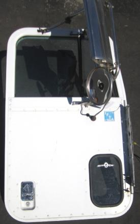 INTERNATIONAL 9900 Door Assembly, Front